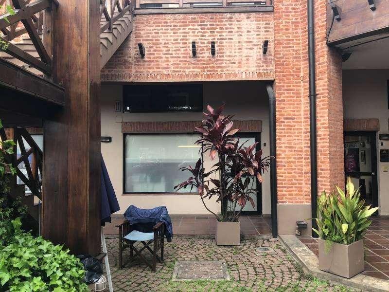 Local en alquiler en Lomas de San Isidro - 36 M en PB - Galeria