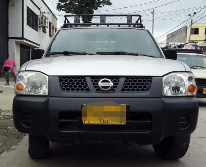 Nissan Frontier 2009 - 140000 km