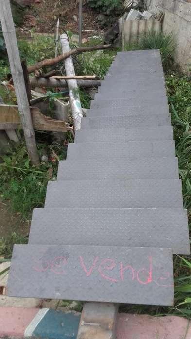 Se Vende Escalera Metálica 659 de Largo