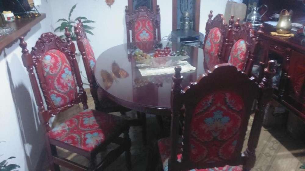 Muebles Antiguos Tallados a Mano