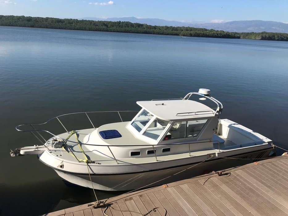BOTE ALBIN 28 PIES 1994 MOTOR CUMMINS 370 HP RECIEN OVERHAUL