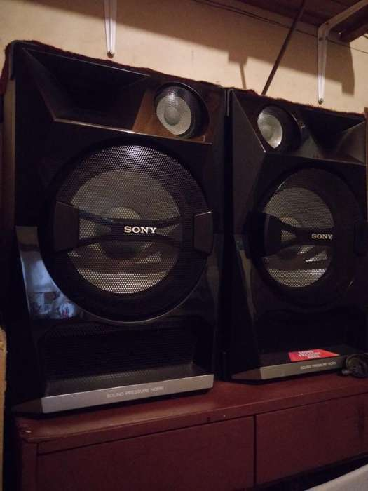 Sony Shake 33