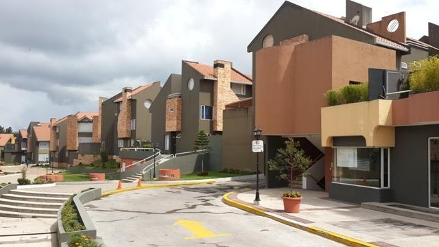 Arriendo linda casa sector colegio SEK o embajada USA  3 habitaciones