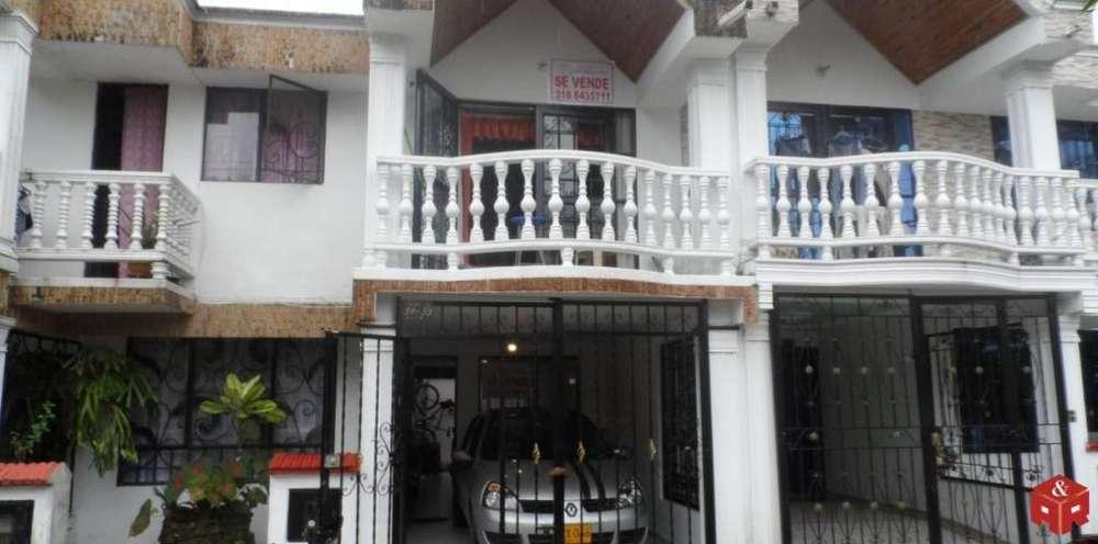 021 Hermosa casa en Venta las Acacias