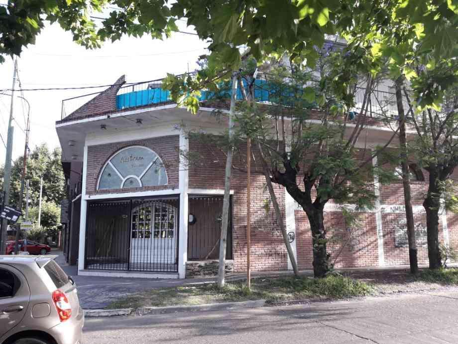 Salon en alquiler en Quilmes Oeste