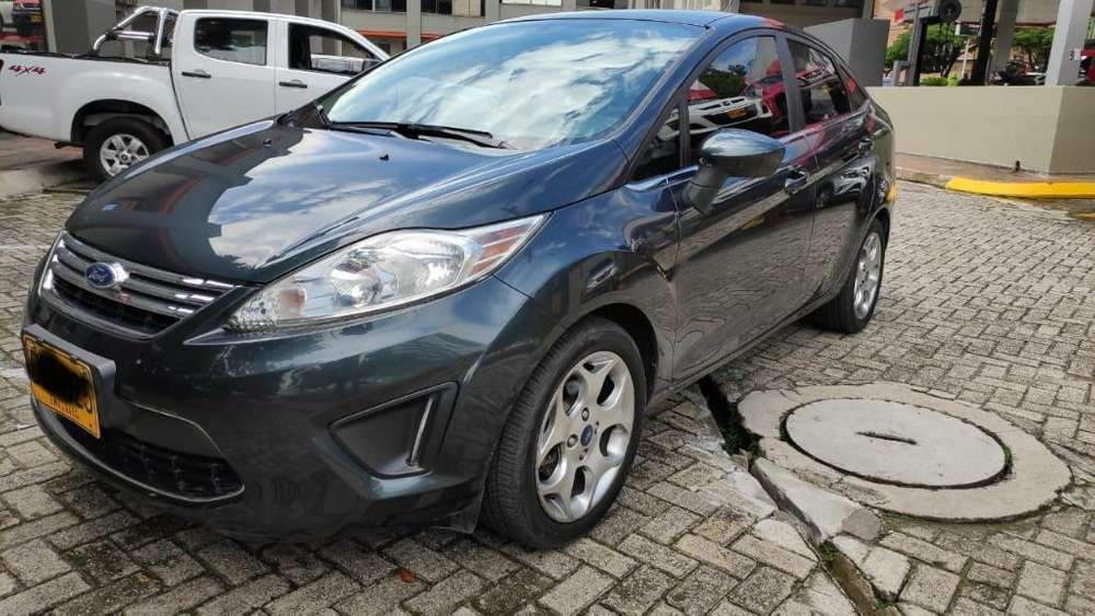 Ford Fiesta  2011 - 105000 km