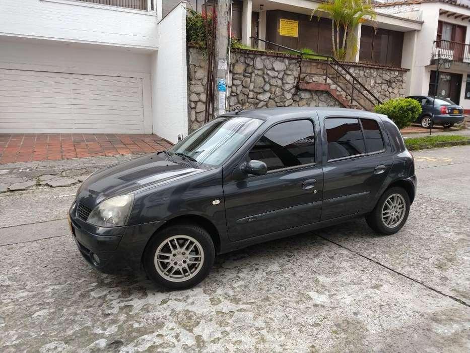 Renault Clio  2008 - 102000 km