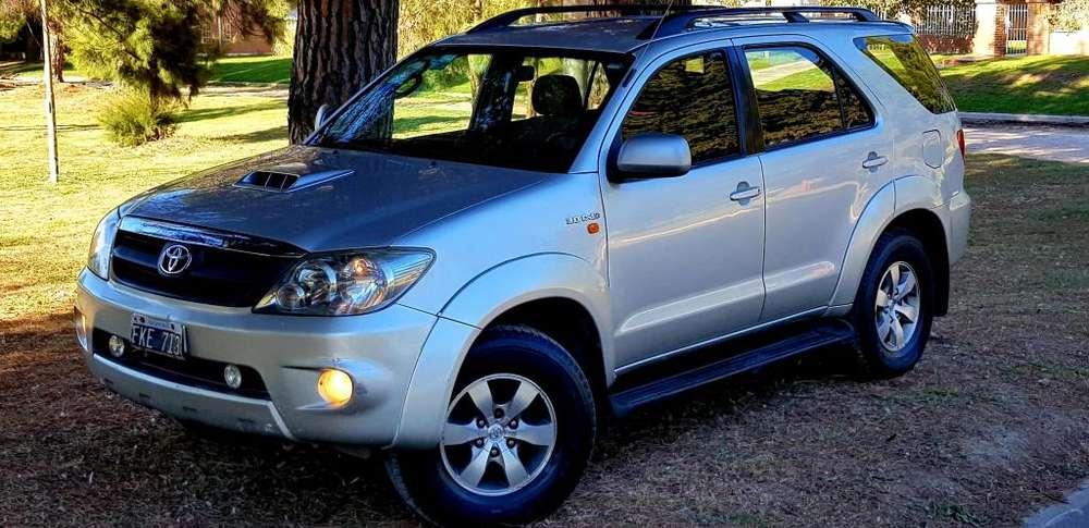 Toyota Hilux SW4 2006 - 552000 km
