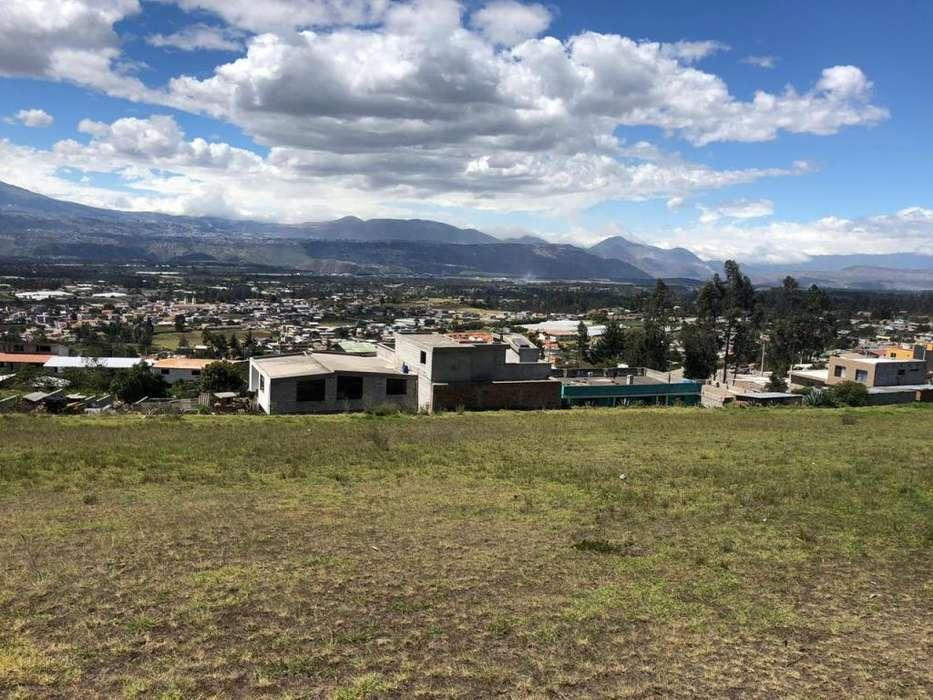 Venta de terrenos de 200m2 en Yaruqui con Financiamiento directo
