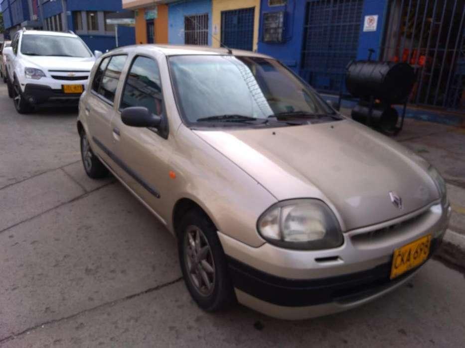 Renault Clio  2002 - 195000 km