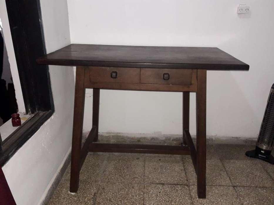 <strong>escritorio</strong> de Algarrobo