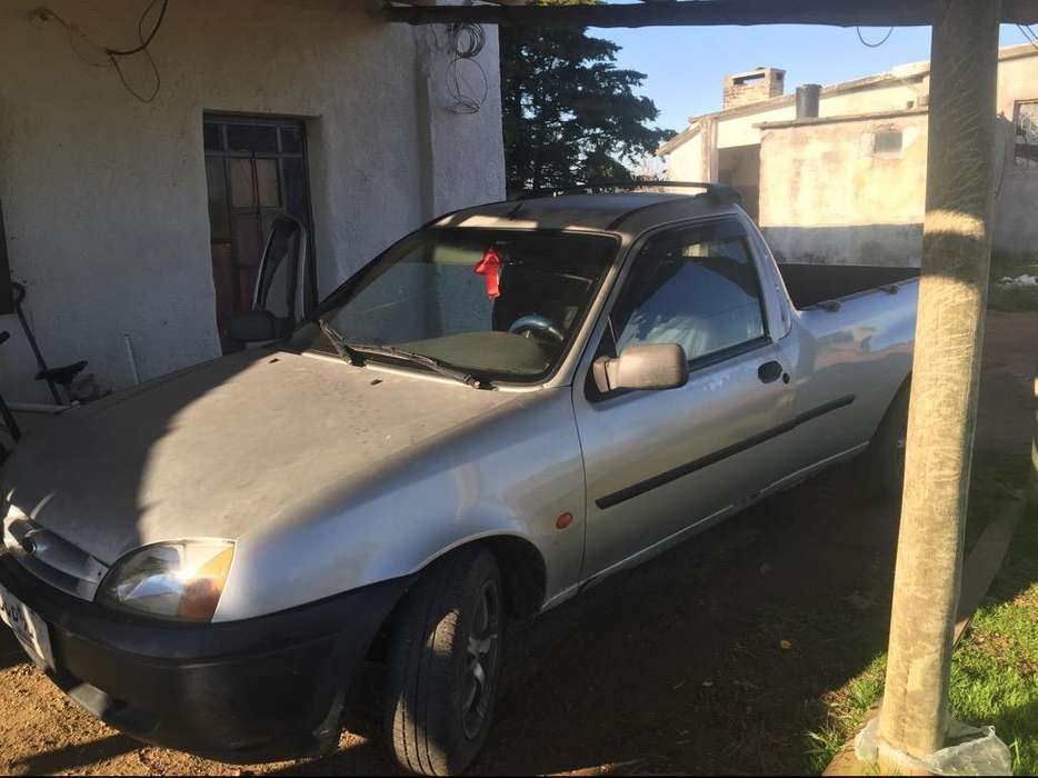 Ford Courier Año 2000