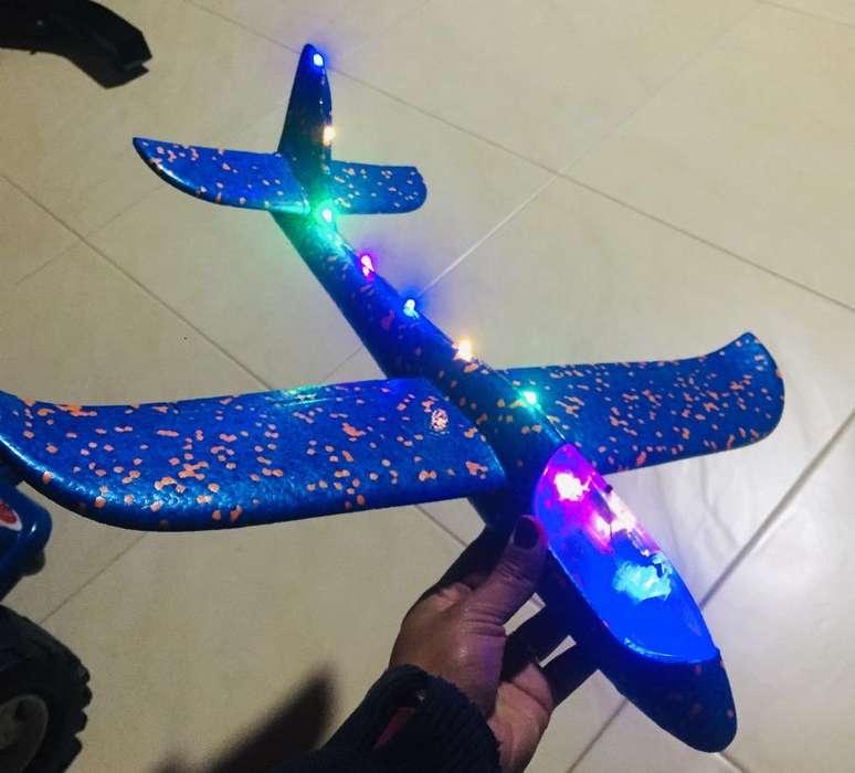 Avion con Luces