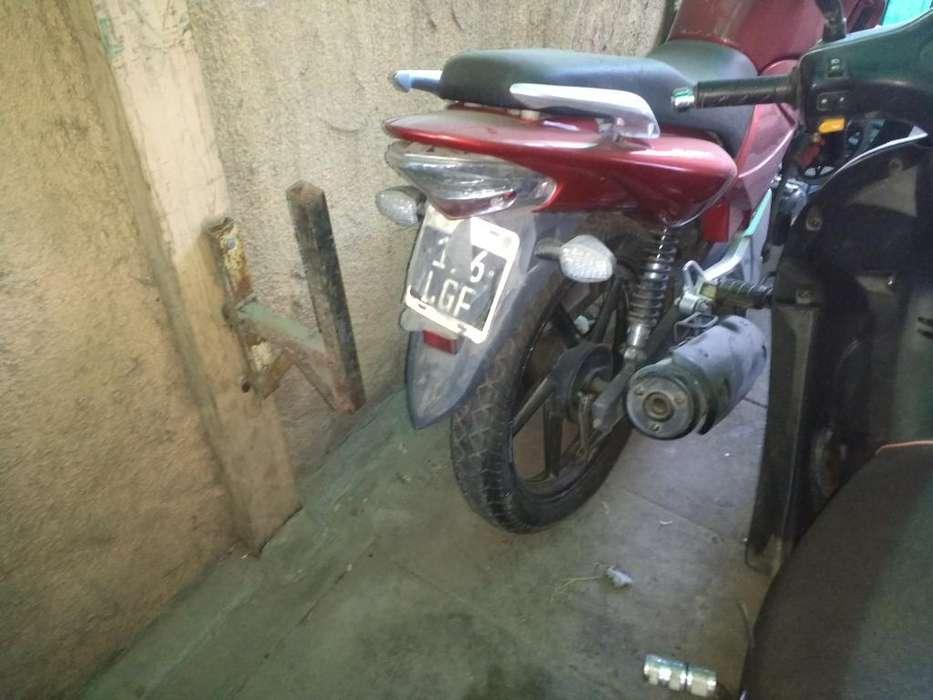 Vendo Moto 180cc Brava