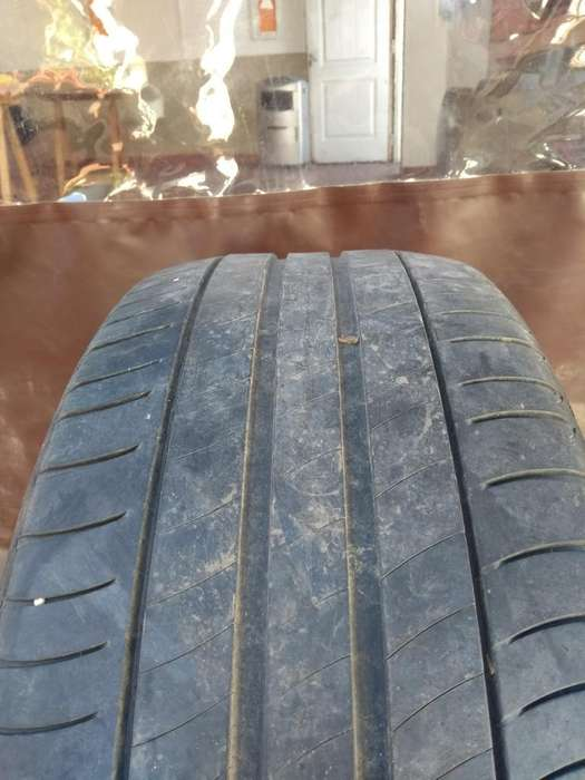 Cubierta <strong>michelin</strong> 225/50/17