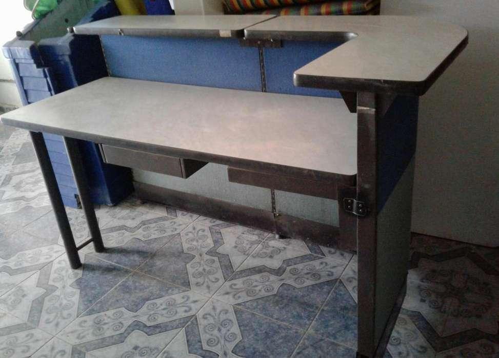 Vendo recepción, <strong>escritorio</strong> y sillas de oficina