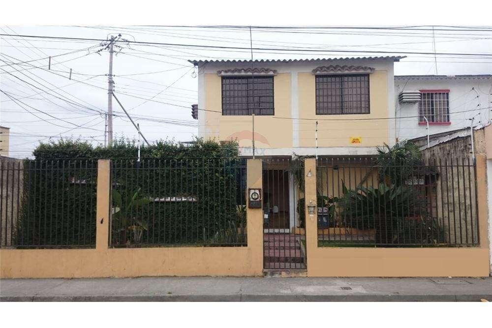 Casa de uso Comercial en Venta en Samanes 7