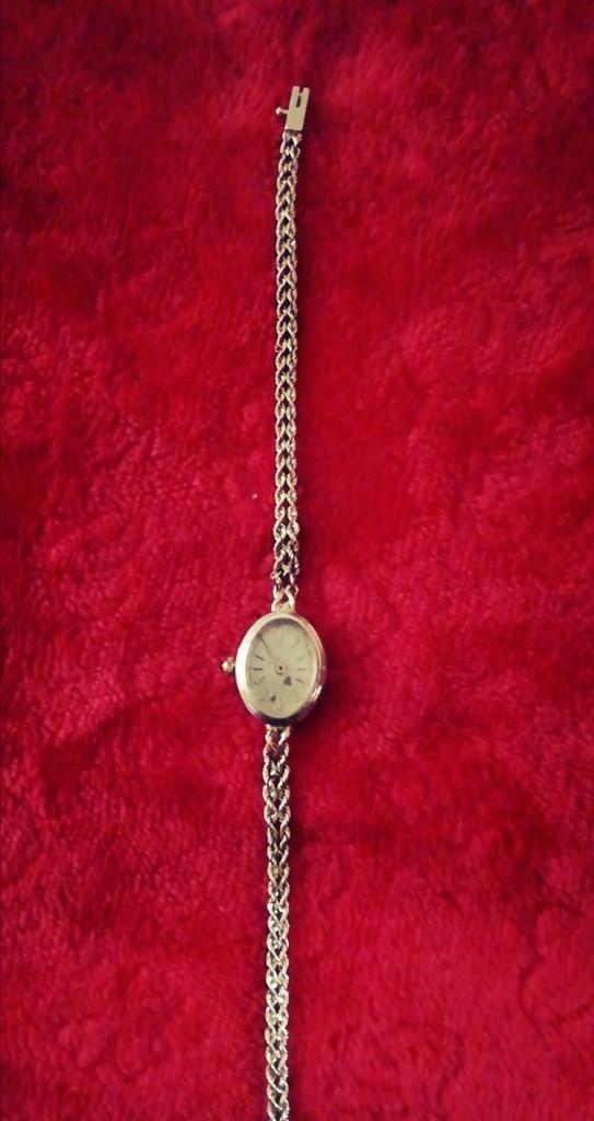 Reloj Artesanal Laminado en Oro de 10 Kl