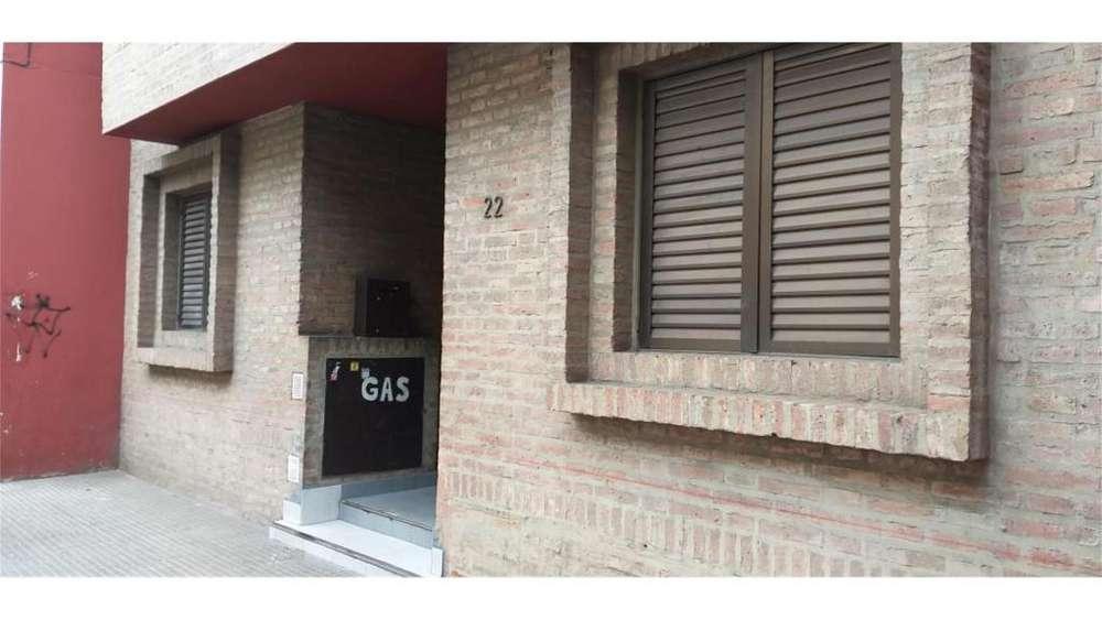 Santiago Del Estero 100 PB - UD 35.000 - Departamento en Venta