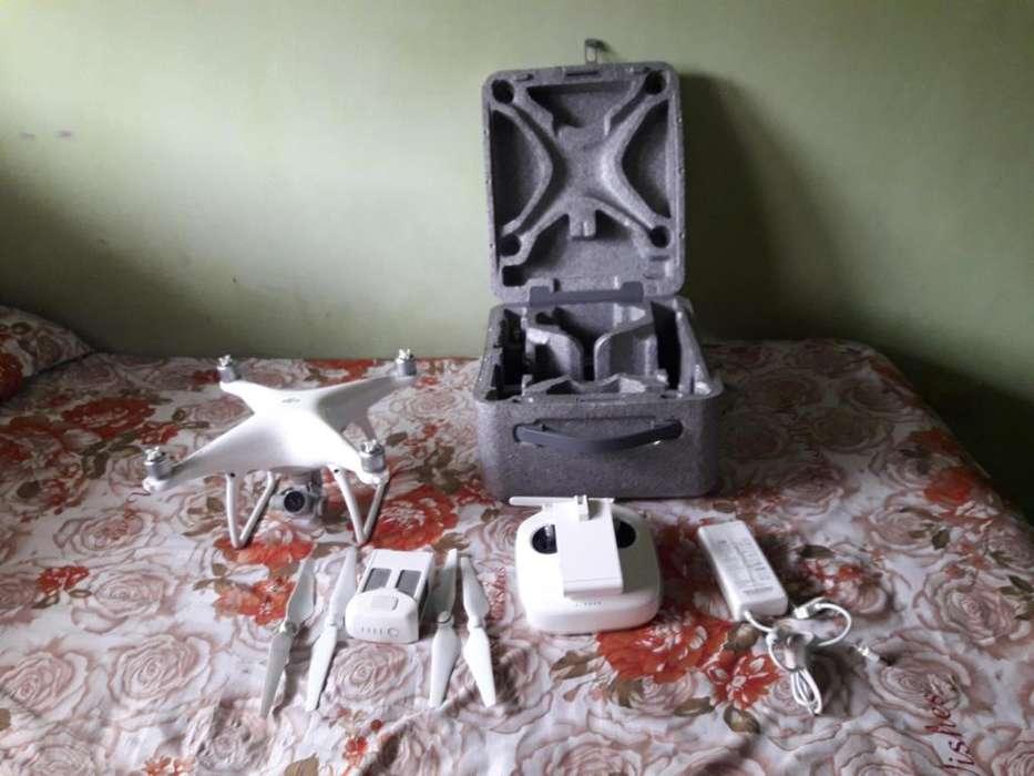 DRONE PHANTOM 4 CON 20 VUELOS