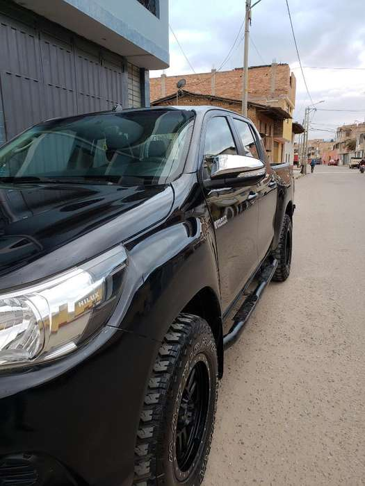 Toyota Hilux 2016 - 84000 km