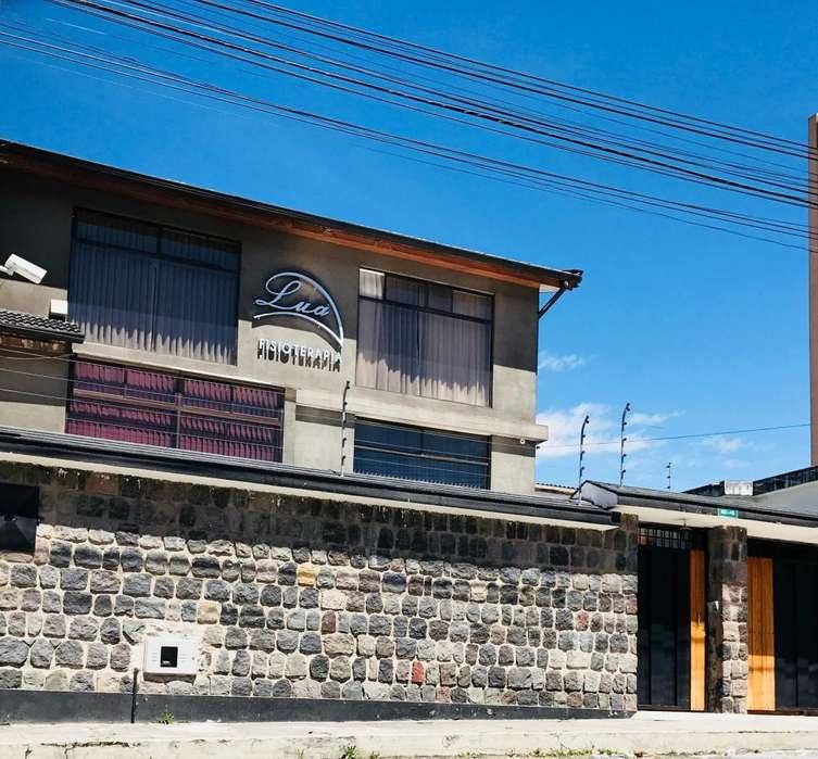 Oportunidad Vendo Casa Comercial Zona Céntrica (Oficinas, consultorios)