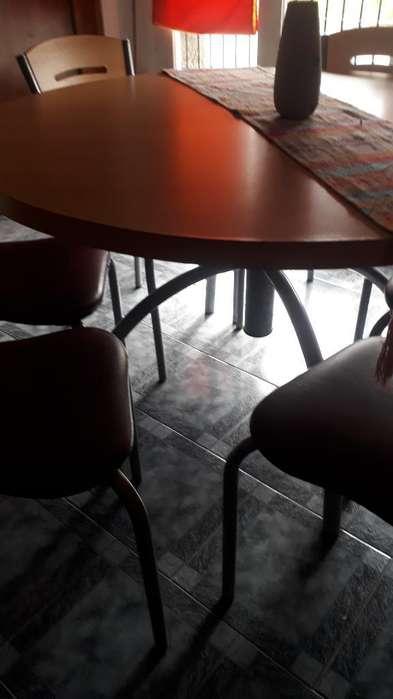 Mesa con 6 <strong>silla</strong> Impecable