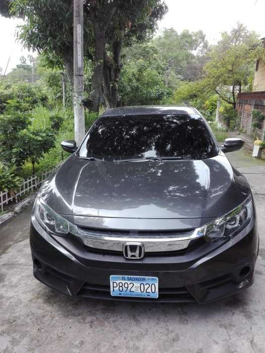 Honda Civic 2017 - 30000 km