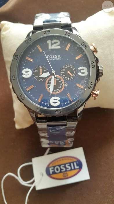 Reloj Fossil con Fechero