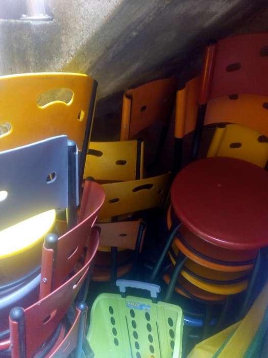 13 <strong>silla</strong>s Metalicas Y Mesas