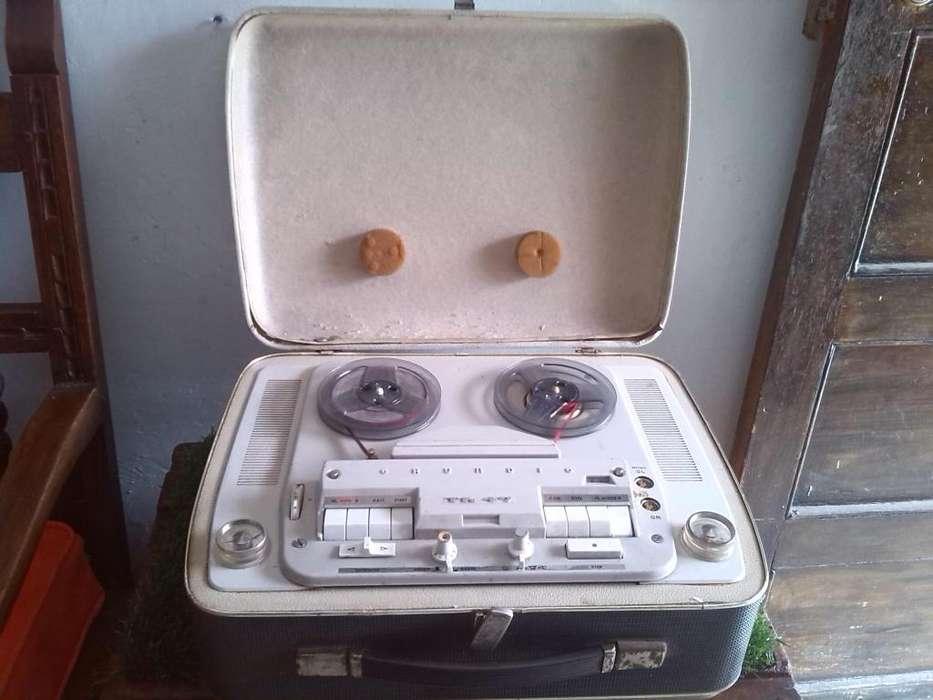 antigua grabadora Grabadora open Reel Grundig TK 47 años 60