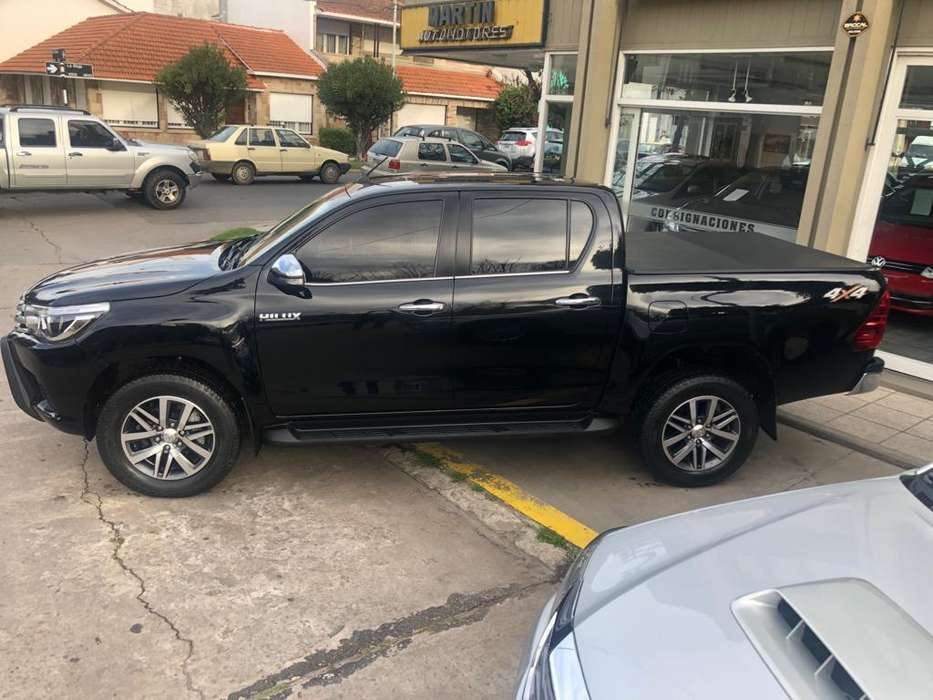 <strong>toyota</strong> Hilux 2016 - 105000 km