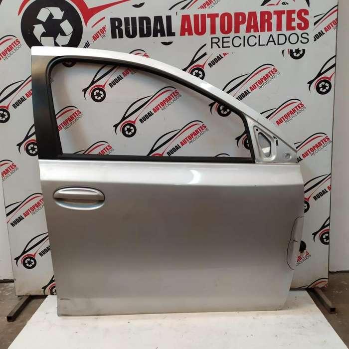 Puerta Delantera Derecha Toyota Etios 7600 Oblea:02644778