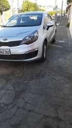 Vendo Kia Rio Semi Full 2014 Modelo 2015