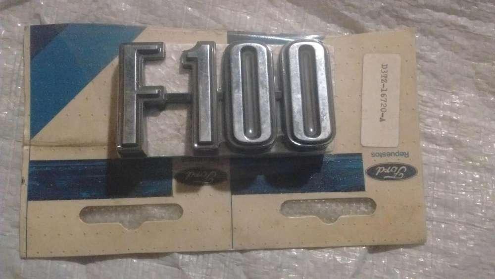 Insignia de camioneta Ford F100