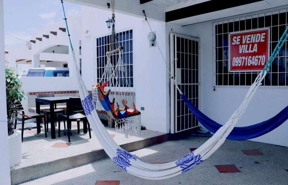 Venta de Casa Amoblada en Salinas, Cerca del Supermaxi, Sector La Dunas, Urb. San Marino