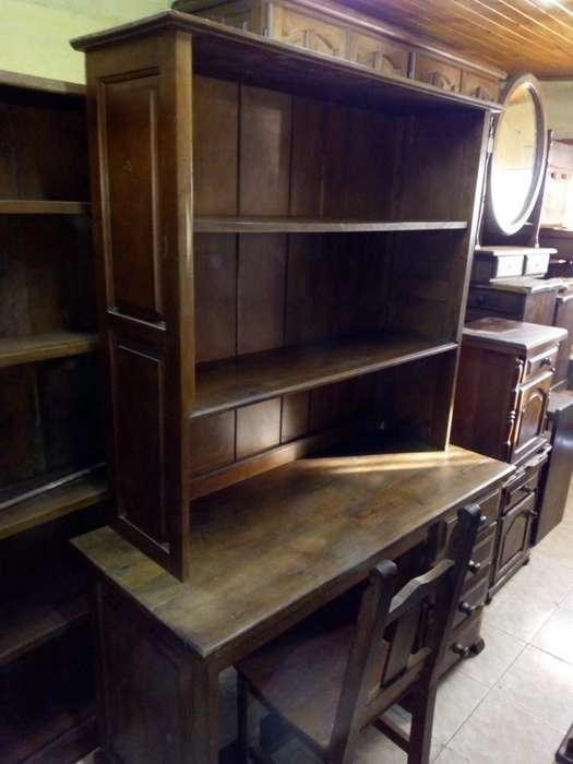 <strong>escritorio</strong> de algarrobo con alzada biblioteca y silla