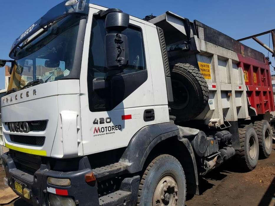 Volquete IVECO Trakker 420 6x4 año 2012