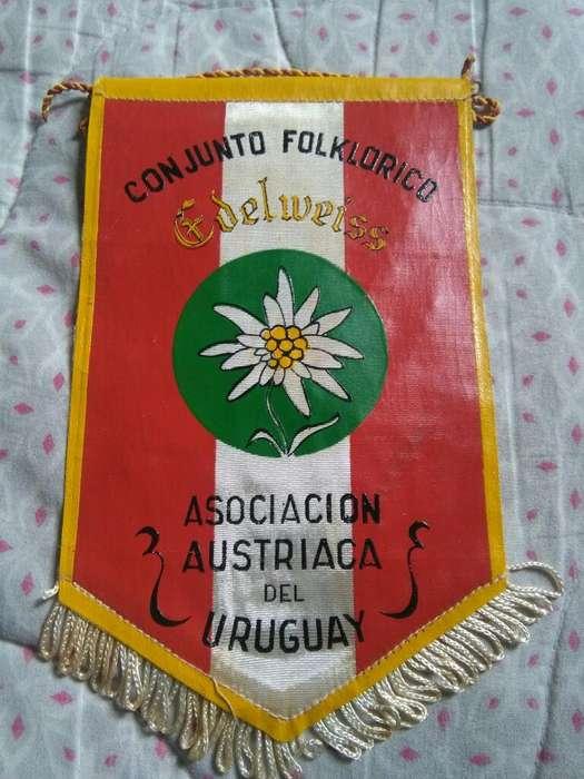 Antiguo Banderín Asociación Austriaca del Uruguay . Conjunto folklorico Edelweiss