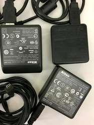 Accesorios para camaras Digitales cargadores cables estuches