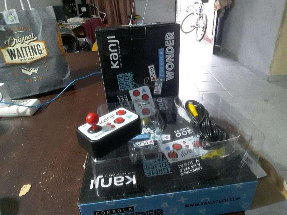 Vendo Mini Consola Retro con 200 Juegos