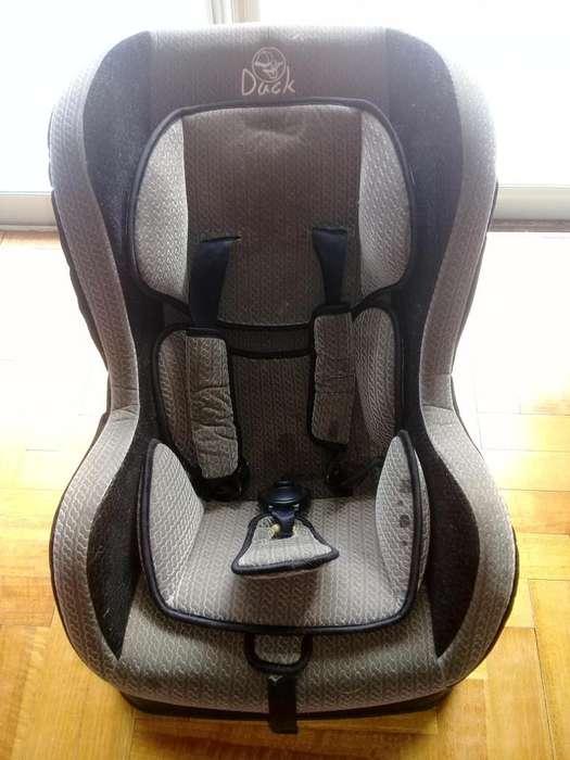 Butaca de bebé auto usada