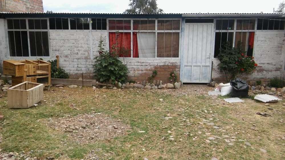 Vendo Casa con Terreno Cercado Material Noble