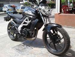 SE VENDE MOTO UM 230cc MODELO 2014  3153105391-3368856