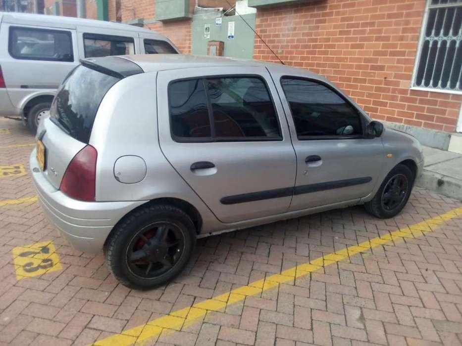 Renault Clio  2002 - 190000 km