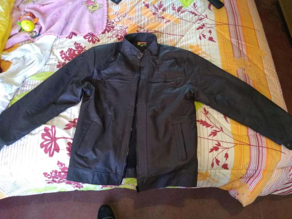 Vendo casaca de cuero nueva llamar a 941447168