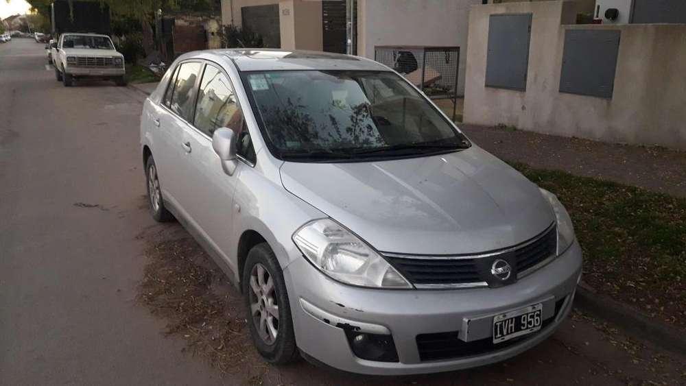 Nissan Tiida 2010 - 200000 km