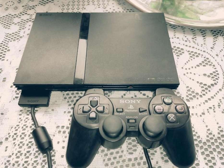 Playstation 2 Slim con 3 Meses de Uso