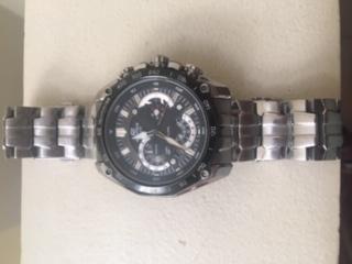 392d81305d30 Reloj Casio Edifice 550 usado escribir whatsapp 3138457111 - Bogotá