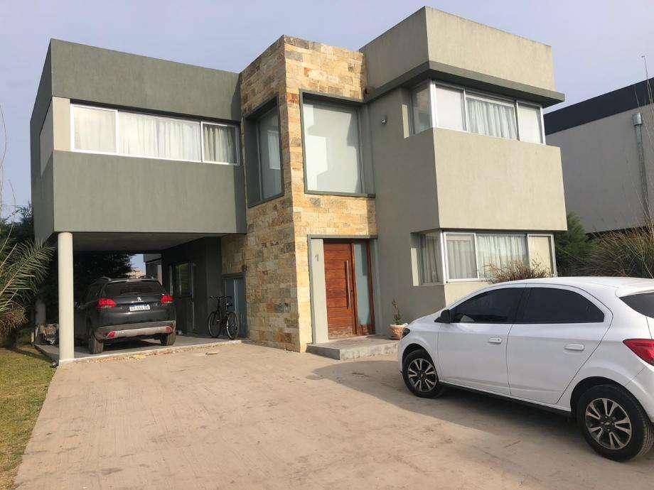 Casa en venta en Berazategui Este